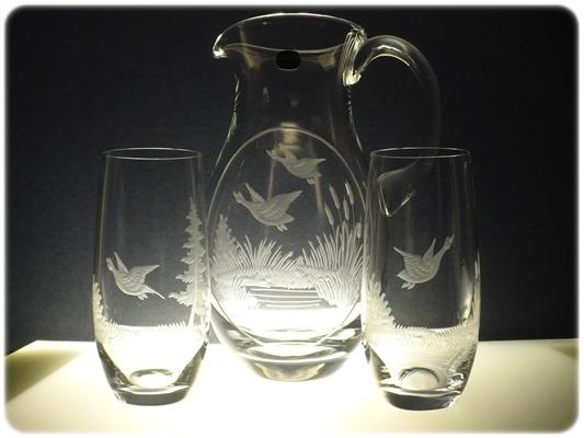 džbán 1,5l + sklenice 2 ks Club 350ml na pivo s mysliveckou rytinou, možnost jména , textu na přání