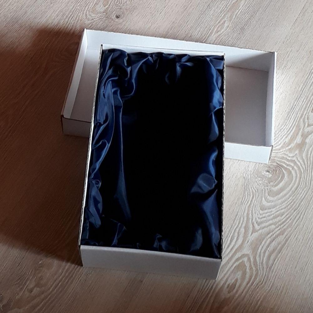lahev na slivovici (pálenku) 0,5l s rytinou švestek, dárek pro muže