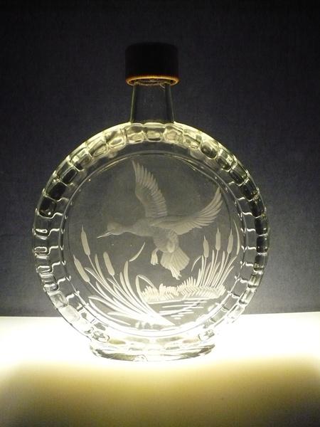 lahev na slivovici (pálenku) 0,7l s loveckou rytinou ,dárek pro myslivce