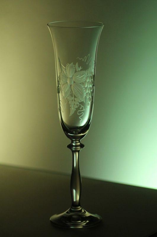 sklenice na sekt 1ks Angela 190ml,sklenička s rytinou vinného hroznu, dárek k narozeninám