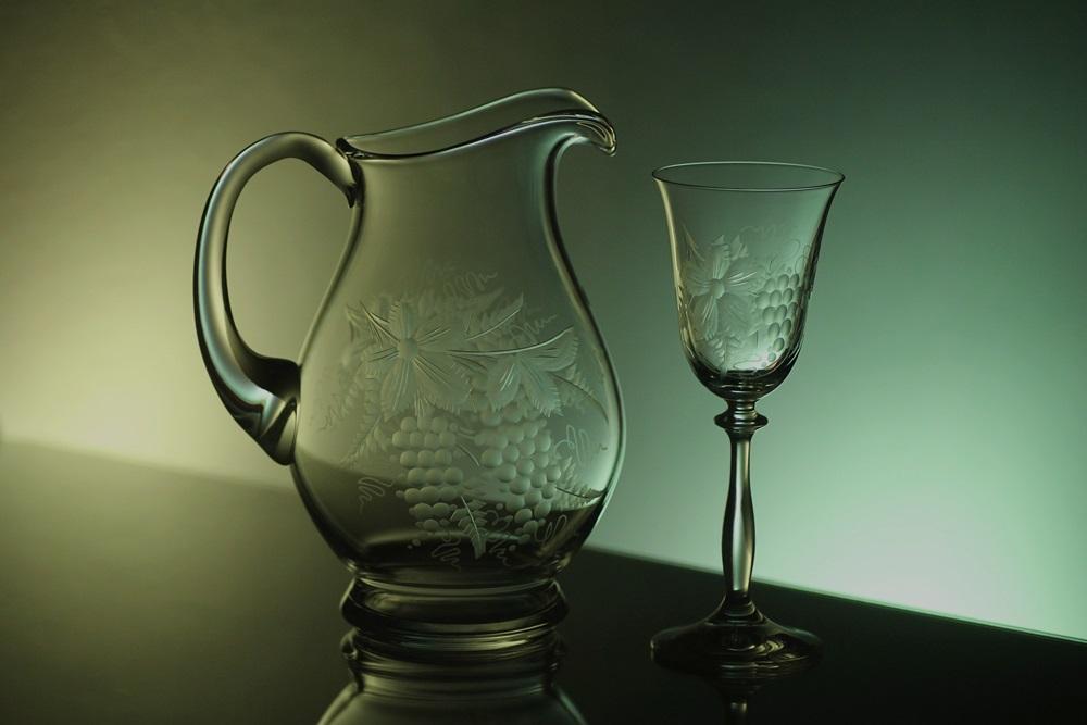 džbán 1,5l na víno + skleničky 6ks Angela 185ml s rytinou vinného hroznu, možnost jména na přání